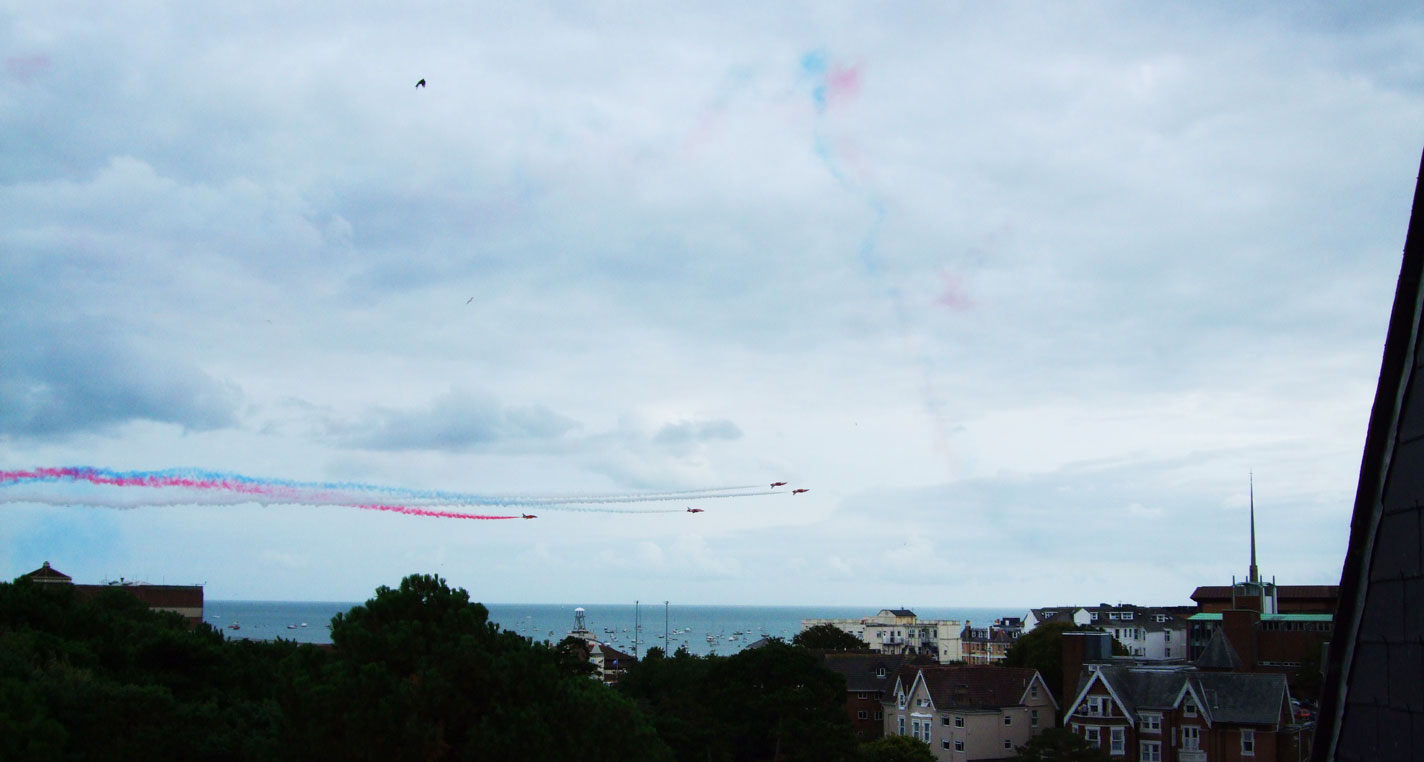 The Red Arrows perform at Bournemouth Air Festival 2014